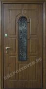 Двери в коттедж со стеклом