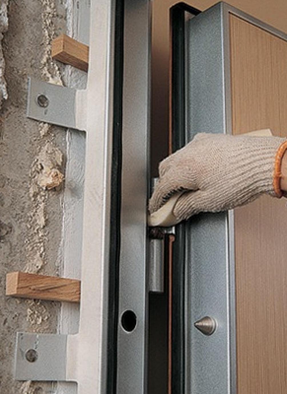 установить входной дверь цена